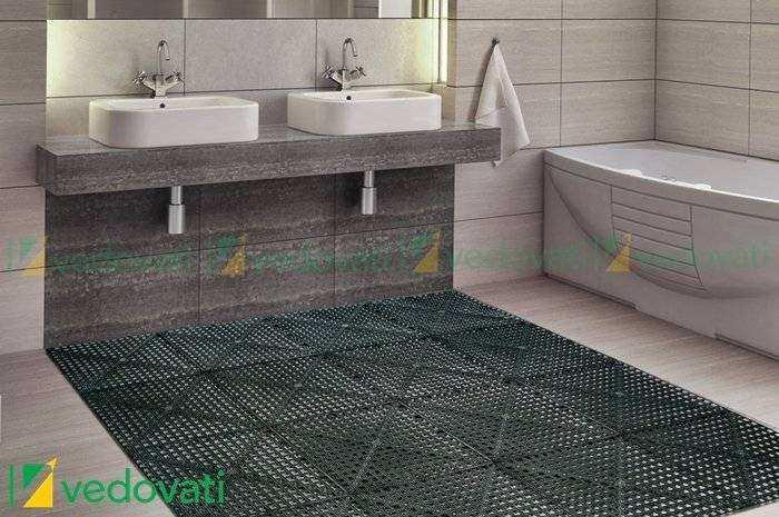 Estrado Plástico Vedovati aplicado em banheiro