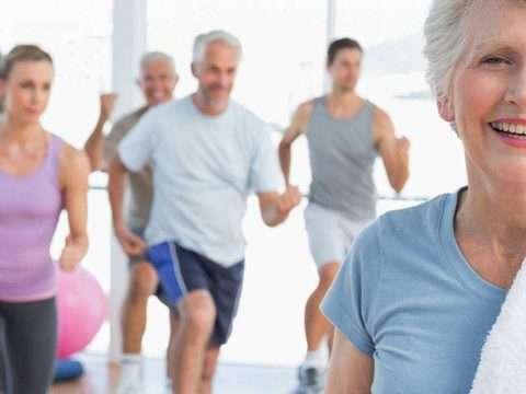 Academia na terceira idade? Confira os exercícios e os aparelhos mais indicados!